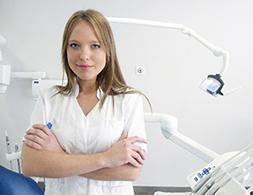 高齢者向け歯科サービスと衛生士